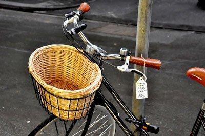 «Thank you for saving the world!» Bike Tagging als Guerilla Streetart