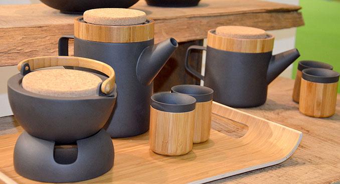 Das Tee-Geschirr aus natürlichen Stoffen hat es uns einfach angetan © ecowoman.de