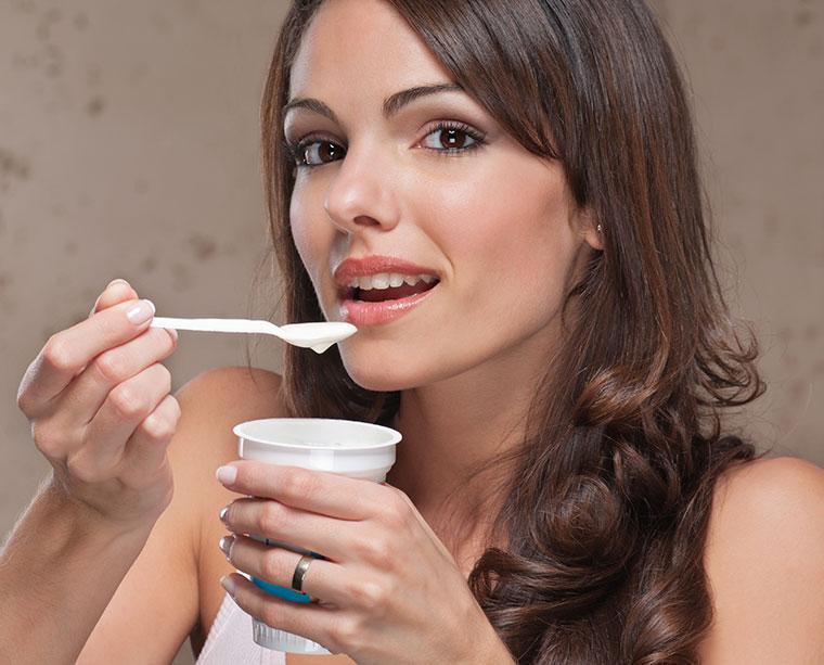 Joghurt kann bis zu 2 Wochen aufbewahrt werden.