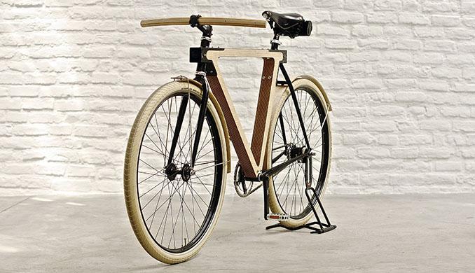 Ein Fahrrad, fast komplett aus Holz. Für Liebhaber und Technikbegeisterte © spielplatz/v2com