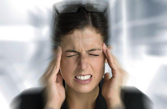 Das können Sie tun, wenn Kopf und Rücken schmerzen!