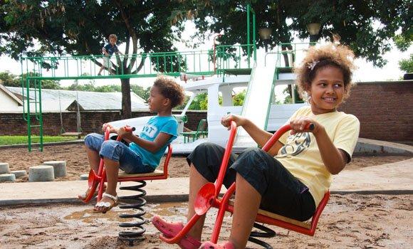 Ambulance Playground: Spielplatz mit doppeltem Boden