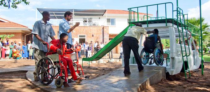 Behindertengerechter Spielplatz des Krankenhauses in Malawi