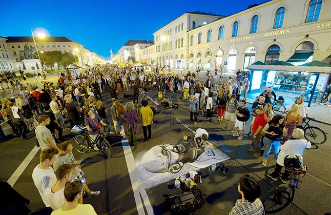 Die Straße bietet Platz für jeden der mitmachen will © Tobias Hase