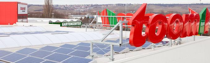 Die Dachfläche wird optimal für die Gewinnung von Solarenergie genutzt