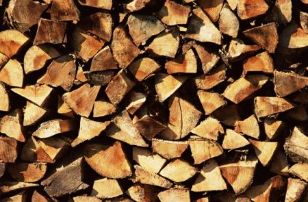 Speichersystem für Erneuerbare Energien aus Holz