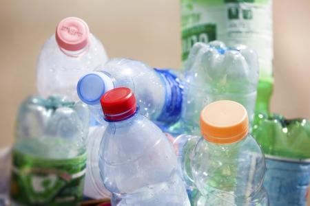Statt umweltfreundlich zu recyceln verbietet US-Stadt PET-Einwegflaschen