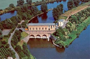 Das Wasserkraftwerk in Schwabenheim bei Dossenheim am Neckar ©Neckar AG
