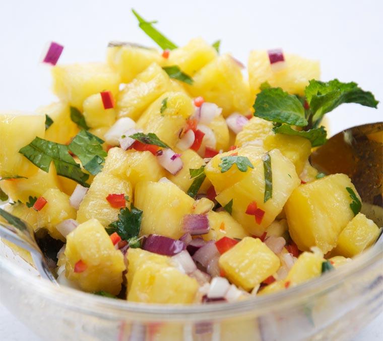 Ananas Rezept für eine Salsa mit Ingwer und Chili