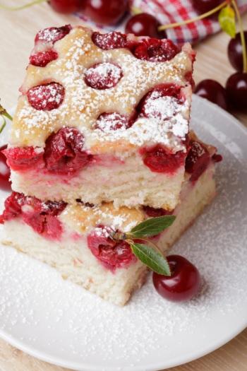 Blechkuchen: Rezepte, einfach und schnell mit Mürbteig oder Hefeteig