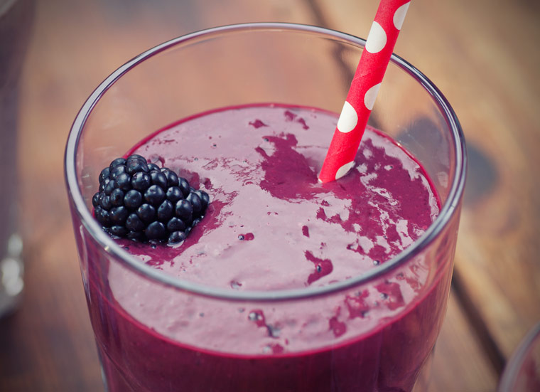 Sommerlicher Brombeer-Smoothie