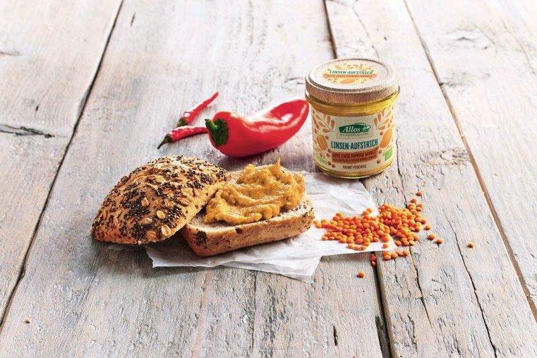 Brot mit Linsenaufstrich von Allos