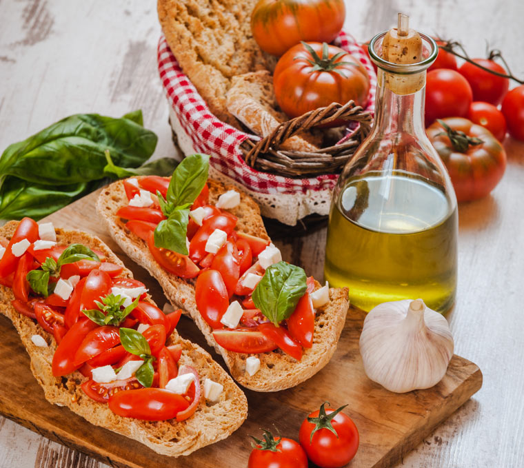Crostini aus trockenem Brot oder Brötchen