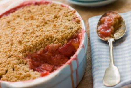Erdbeer-Rhabarber-Crumble Rezept