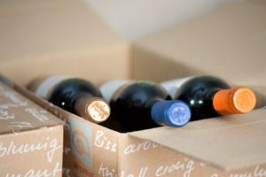 Entweder 3 oder 6 Flaschen enthalten die Probier-Pakete © Delinat