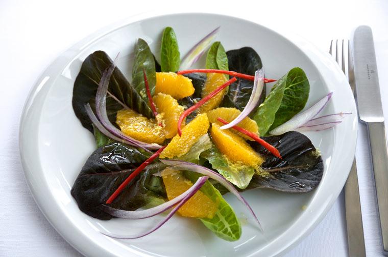 Feldsalat mit Orangenfilets