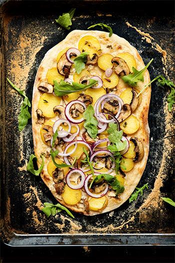 Flammkuchen mit Pilzen & Rucola