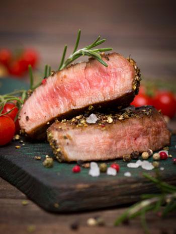 Nur selten essen Flexitarier Fleisch und dann meist in Bio-Qualität © pilipphoto/ iStock/ Thinkstock
