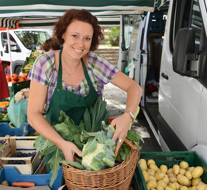 Viele Marktverkäufer geben gerne ihr Gemüse ab