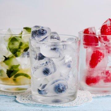 Kreative Eiswürfel für den Sommer