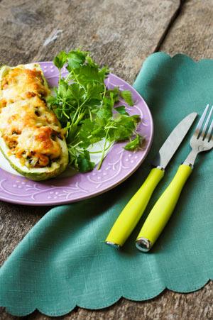Gefüllte Zucchini mit Garnelen und Käse