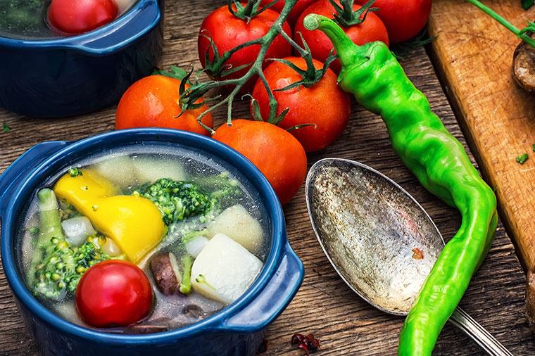 6 Gemüsesorten, die du lieber kochen solltest.