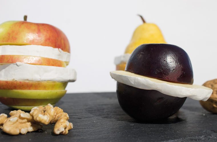 Grill-Obst mit Camembert