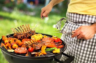 Von scharf bis cremig: Leckere Saucen zum Grillen