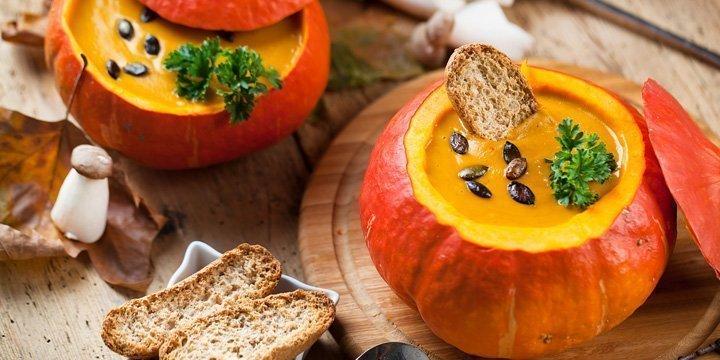 Kürbis-Saison: Schon diese leckere Kürbissuppe ausprobiert?
