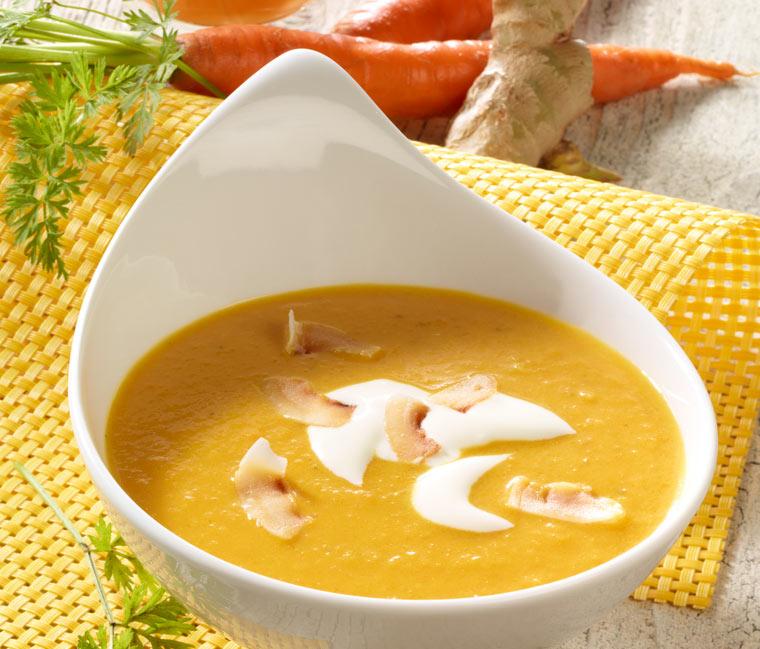Gesundes Ingwer-Kokos-Möhren Suppe Rezept für kalte Tage