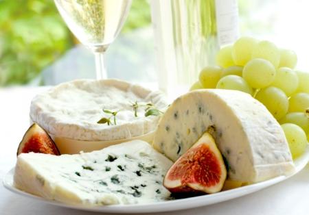 Rezepte, um Käse und Obst zu kombinieren.