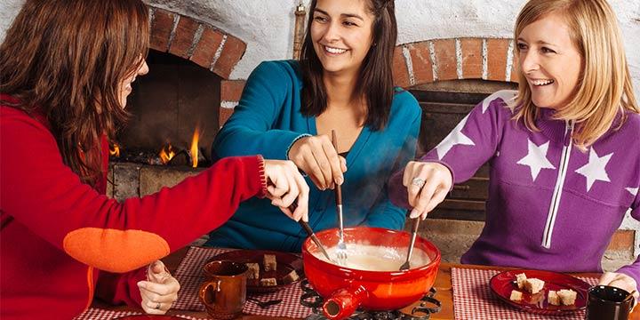 Käsefondue zubereiten: Tipps und leckere Variationen