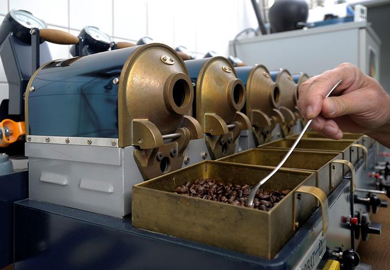 Kleiner Röster im Kaffeelabor