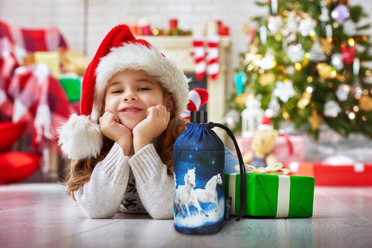 Kind Weihnachtsgeschenk Trinkflasche Emil © Konstantin Yuganov - Fotolia