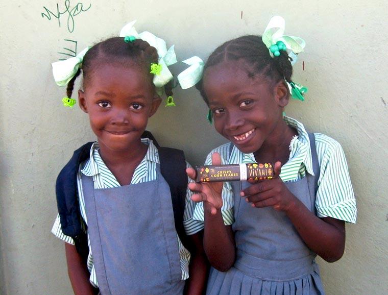 Kinder mit Bioschokolade