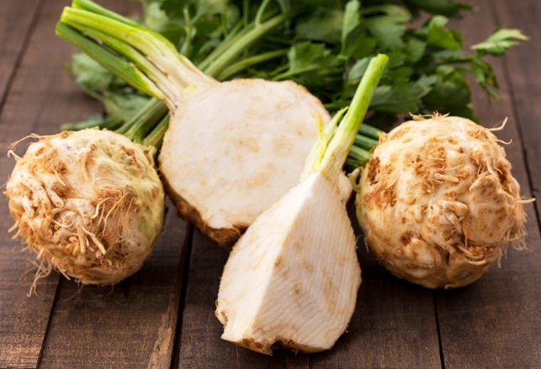 Der Knollensellerie ist ein äußerst vielseitiges Gemüse.