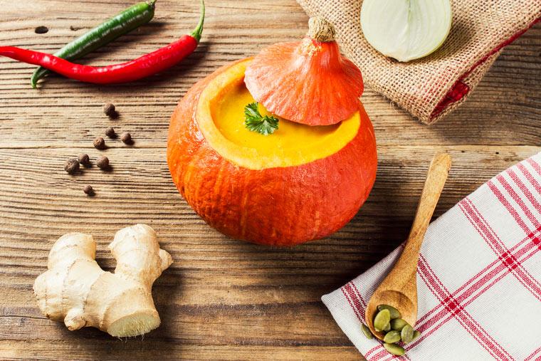 Königliche Kürbissuppe: Gute Laune Rezepte, köstliche Variationen