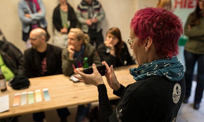 Gemeinsame Planung der Gestaltung des Cafés. Mitbestimmen, statt bestimmt werden © laleli-cafe.de