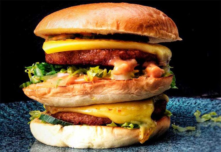 Fleischlose Double-Trouble-Burger vom Grill