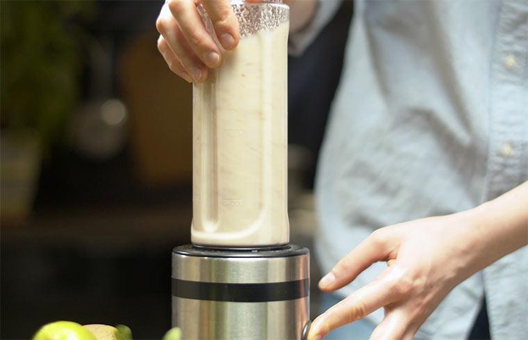Mandelmilch im Standmixer herstellen