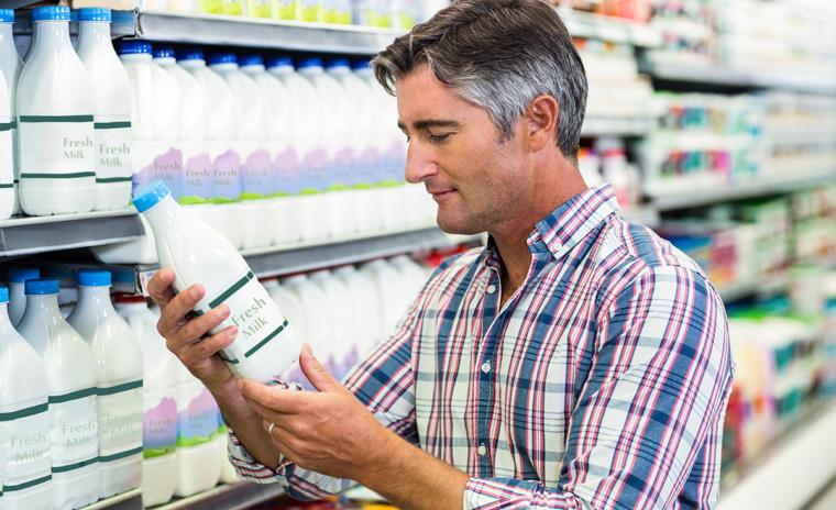 Die Milchpreise in Deutschland sinken immer weiter.