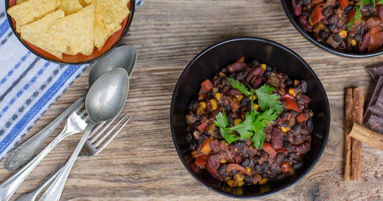 Mole mit Bohnen und Mais – vegetarisch