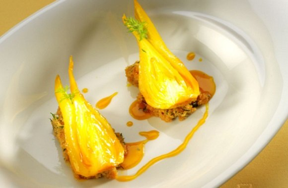 Klimaschutz mit BioSpitzenkoch Simon Tress: Rezept für Geschmorten Orangen-Fenchel mit Amaranth