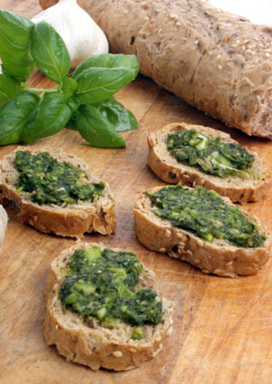 Pesto_auf_dem_Brot