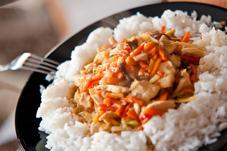 Reis mit Fleischersatz