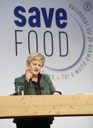 Renate Künast informiert die Besucher des Kongresses ©Messe Düsseldorf/Initiative Save Food