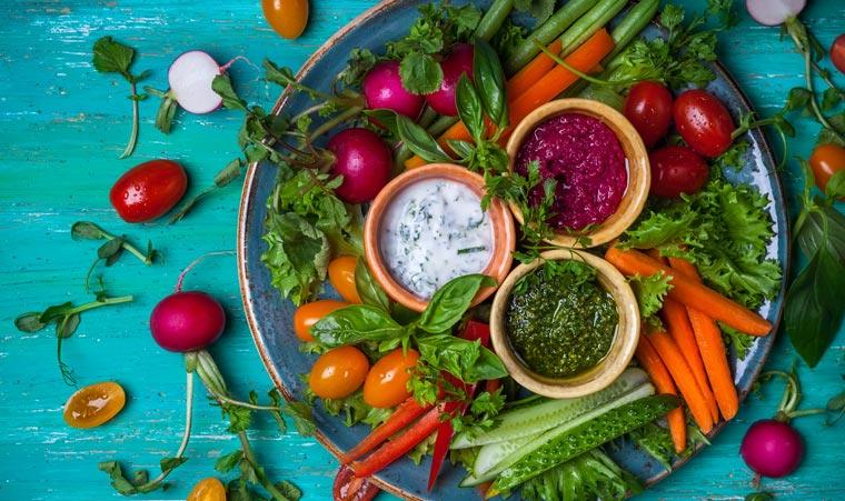 Salat eignet sich nur als Hasenfutter oder allerhöchstens als Beilage? Falsch gedacht