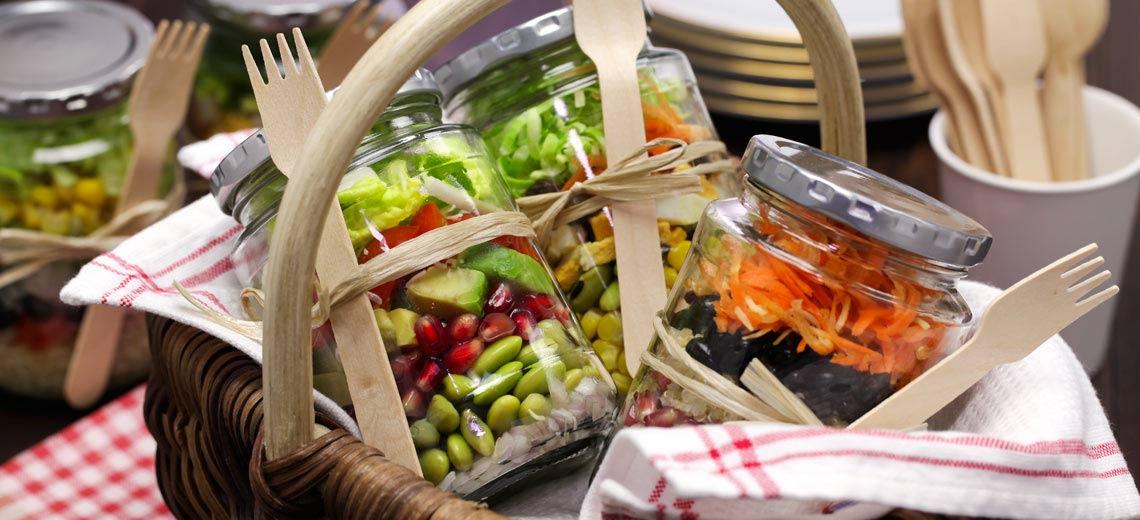 Salat im Einmachglas: 3 leckere Salatrezepte to go