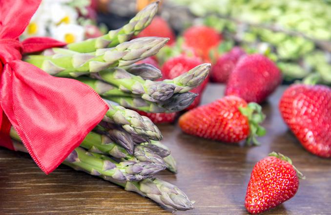 Spargel Erdbeeren