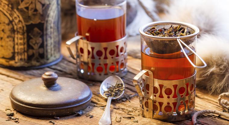 Ein besonders bekannter Tee mit langer Tradition ist der Schwarze Tee.